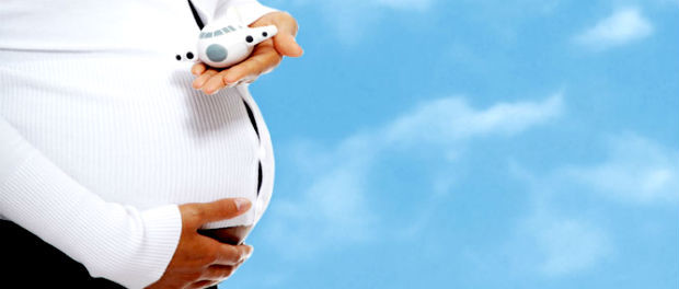 Как безопасно летать самолетом беременной женщине