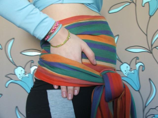Нужно ли подвязывать живот во время беременности